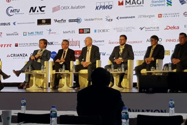 CEO-of-AviaAM-Financial-Leasing-China-participates-at-Aircraft