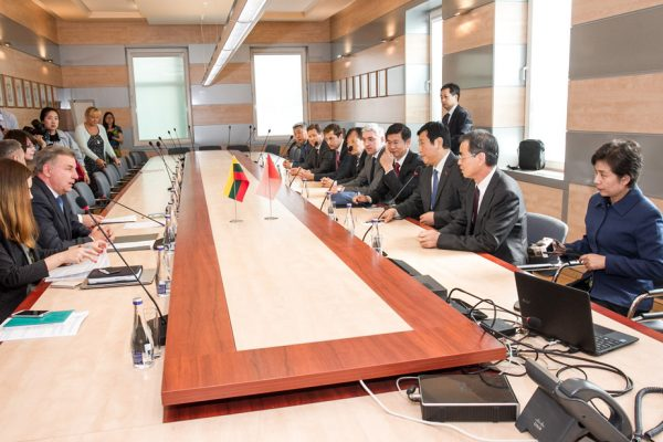 partnership-with-henan-civil-aviation-development10