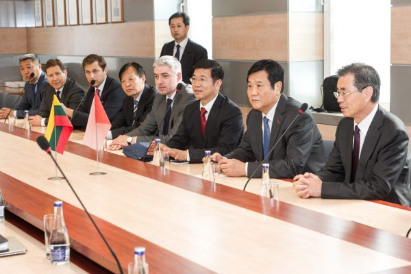 partnership-with-henan-civil-aviation-development11